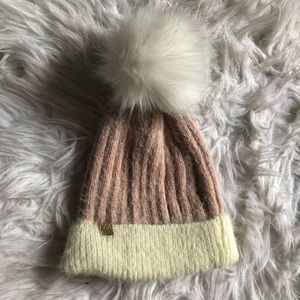 DAVID AND YOUNG || Faux Fur Toque